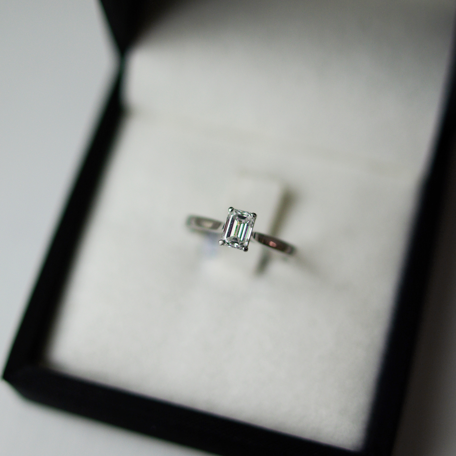 Emerald Cut Diamond Tapered Shoulders Engagement Ring