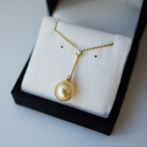 Golden Pearl And Diamond Stick
